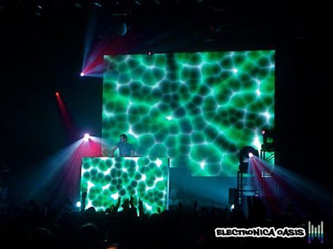 calvin1 Deadmau5 'Unhooked' @ Roseland Ballroom 10.30.10 (Review, Videos, Pictures & Tracklistings)