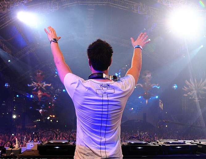 Reach Out Thomas Gold Mix PREVIEW: Sander Van Doorn – Daddyrock (Arty Remix) / Reach Out (Thomas Gold Mix)