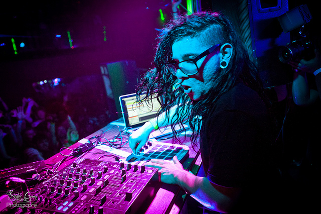 DJ MIX Skrillex Mothership Tour DJ MIX: Skrillex Mothership Tour @ Portland 12.10.2011