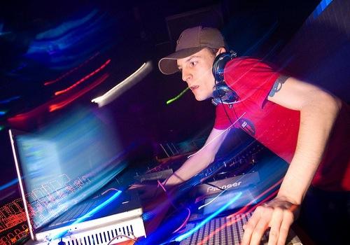 PREVIEW: Deadmau5 - Swinged