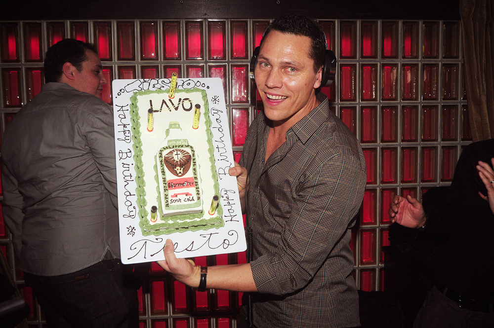 DSC 1247 REVIEW: Tiësto Celebrates Birthday And Rocks Socks @ Lavo
