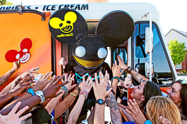 NEWS: Deadmau5 Launches Fashion Line
