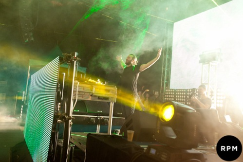 Steve Angello Warren Whitemore REVIEW: Steve Angello & Family Show NYC That Size Matters